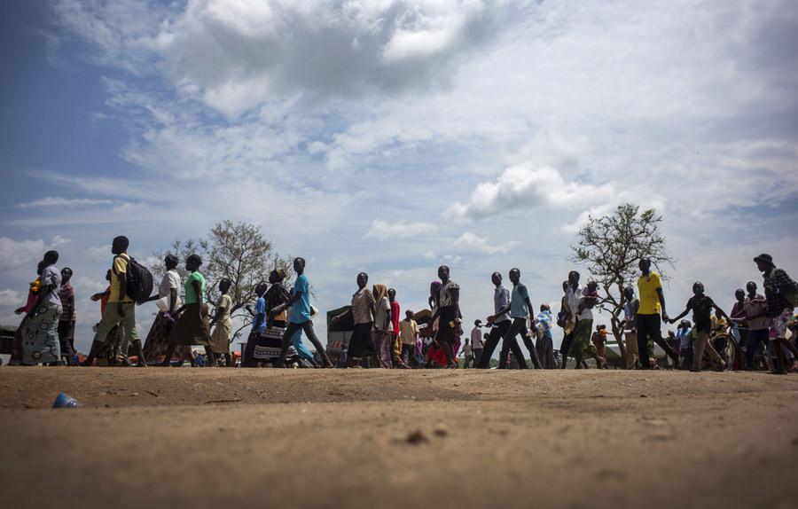 Refugiados sursudaneses llegan al asentamiento de refugiados de Imvepi. Fotografía: Kieran Doherty/Oxfam