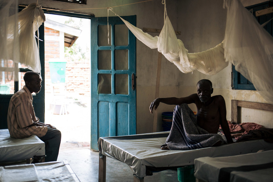 Lwako has been hospitalized in the clinic for the second time due to cholera. He came to live and work in Sebele in 2004, but in those 15 years he has seen no improvements in the access to clean water in the village. Credit: Alexis Huguet/Oxfam