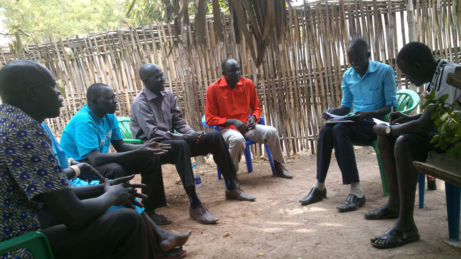 Mayom peace committee meeting in Rumbek, led by Deng Maketch in red. Photo: Saidia Jackie.