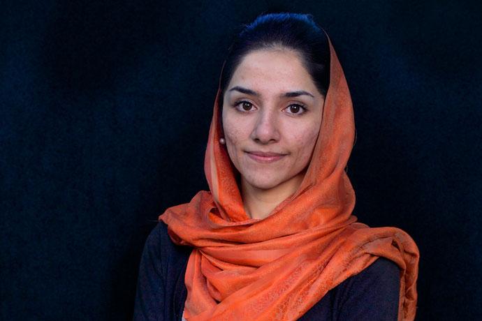 stanakzai afghan woman