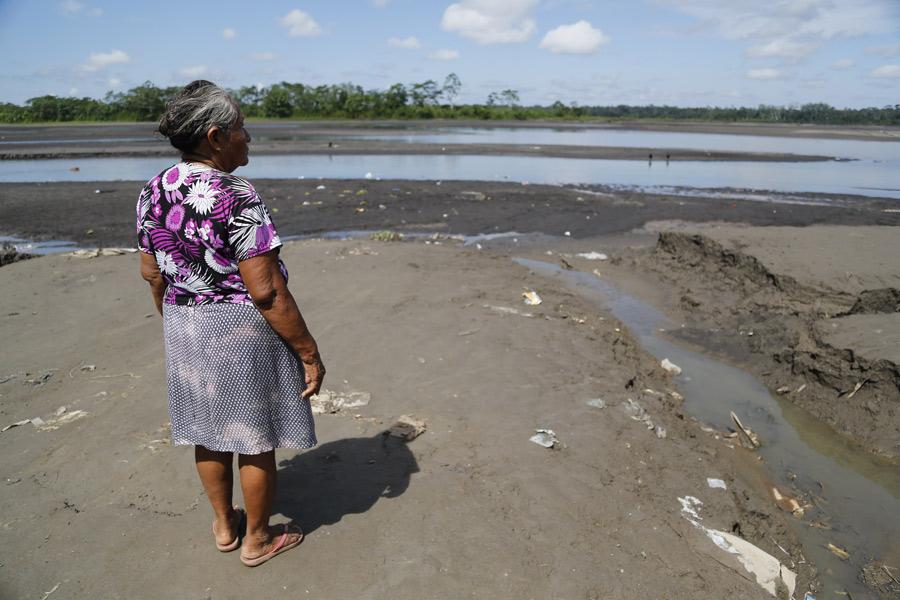 Petronila Sandi a toujours vécu à Nuovo Andoas, au Pérou. Elle défend les droits fonciers de son peuple.