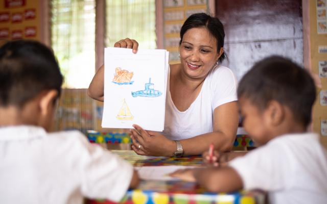 Rowena, day-care worker, mother and housewife, Philippines