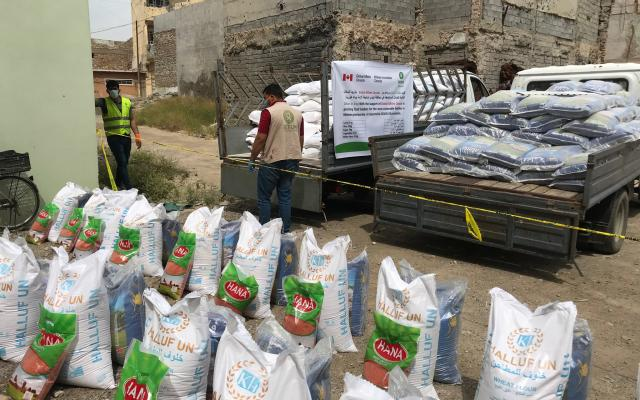 Food distribution in Mosul