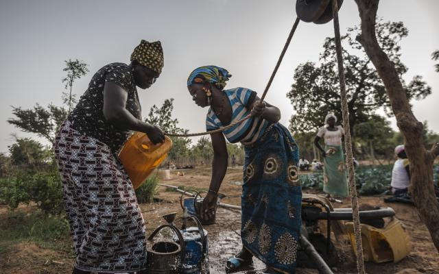 Aguiratou Ouedraogo is a farmer in Burkina Faso. She is 39 years old, mother of 7 children.