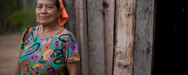 Rosa Gutiérrez de la communauté de Santísima Trinidad, qui fait partie du territoire autochtone de Monteverde. Crédit : Evan Abramson / Oxfam America