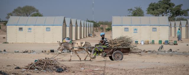 Au cours de la dernière année, des groupes armés ont dévasté des villages dans le nord et l'est du Burkina Faso, faisant fuir plus de 750 000 personnes.