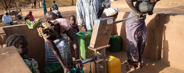 More people are arriving every day to already vulnerable communities and the water infrastructure just cannot cope with demands. Photo: Sylvain Cherkaoui/Oxfam