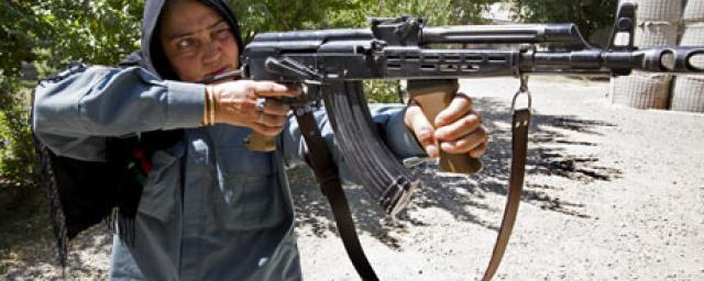 81692scr-nadia-afghan-police.jpg