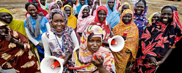 ogb_73557_south_sudan_women_megaphones.jpg