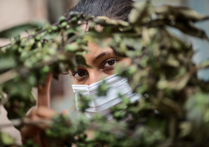 Lúcia (not real name), 15, the daughter of a rural worker from the north of Minas Gerais, had her family rescued in conditions similar to slavery when working during the harvest in a coffee plantation.