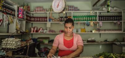 Mujer encargada tienda - República Dominicana