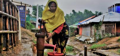 Rohingya refugee Ayesha collecting water for her family in Cox's Bazar, Bangladesh. Credit: Maruf Hasan/Oxfam