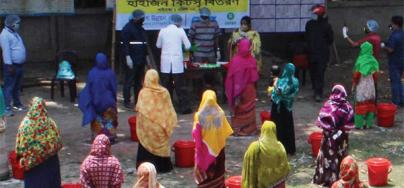 Hygiene kits distribution in Bangladesh with participants keep to social distance