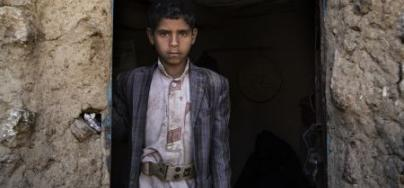 Yahya* vit dans une seule pièce avec sa famille et tout ce qu'ils possèdent. Ils doivent marcher plus de deux heures pour atteindre les puits d'eau, qui sont souvent contaminés par le choléra. Photo: Gabreez/Oxfam