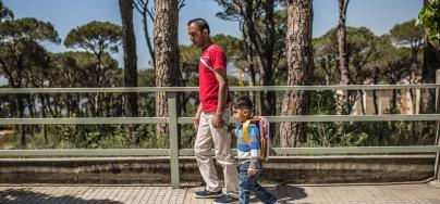 Khalil and Fatem fled their hometown of Raqqa in Syria with their infant son Mohamed in 2013. Since they arrived in Lebanon, they have been living in a small room of around 6 x 4 meters. Photo: Pablo Tosco/Oxfam