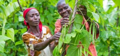 Caline and Theophile, small-hold farmers in rural Burundi. Photo: Lisa Murray/Oxfam