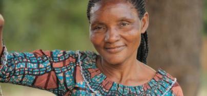 Carolina Chelele a remporté la cinquième édition du concours des Héroïnes de l'alimentation en Tanzanie et est devenue une responsable communautaire.