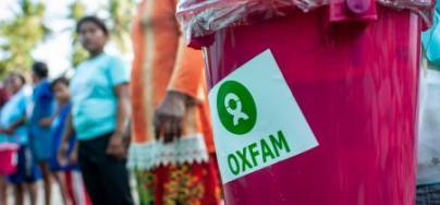 Un kit de higiene de Oxfam en una distribución en las afueras de Palu, Sulawesi, Indonesia. Foto: Hariandi Hafid/Oxfam