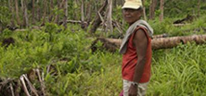 Felix Baong, 74, Barangay (village) Catahay, Guiuan Municipality, Eastern Samar. Photo credit: Caroline Gluck/Oxfam