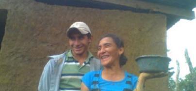 """Gregoria Murillo """"Con roya sólo puedo cortar tres galones y ni cortando todos mis hijos echamos de ver lo que hacemos"""". Foto: Oxfam"""